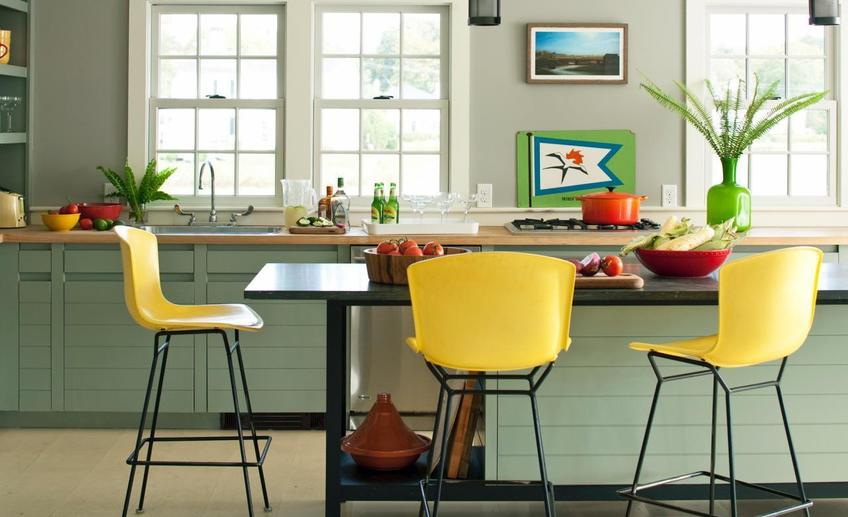 Kitchen colors for 25 colorful kitchens kitchen ideas amp design with cabinets