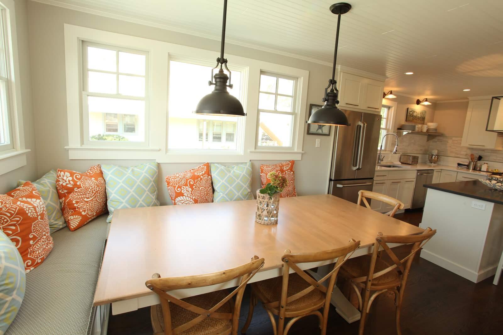 уютная кухня с диванчиком фото свадебная фотосессия