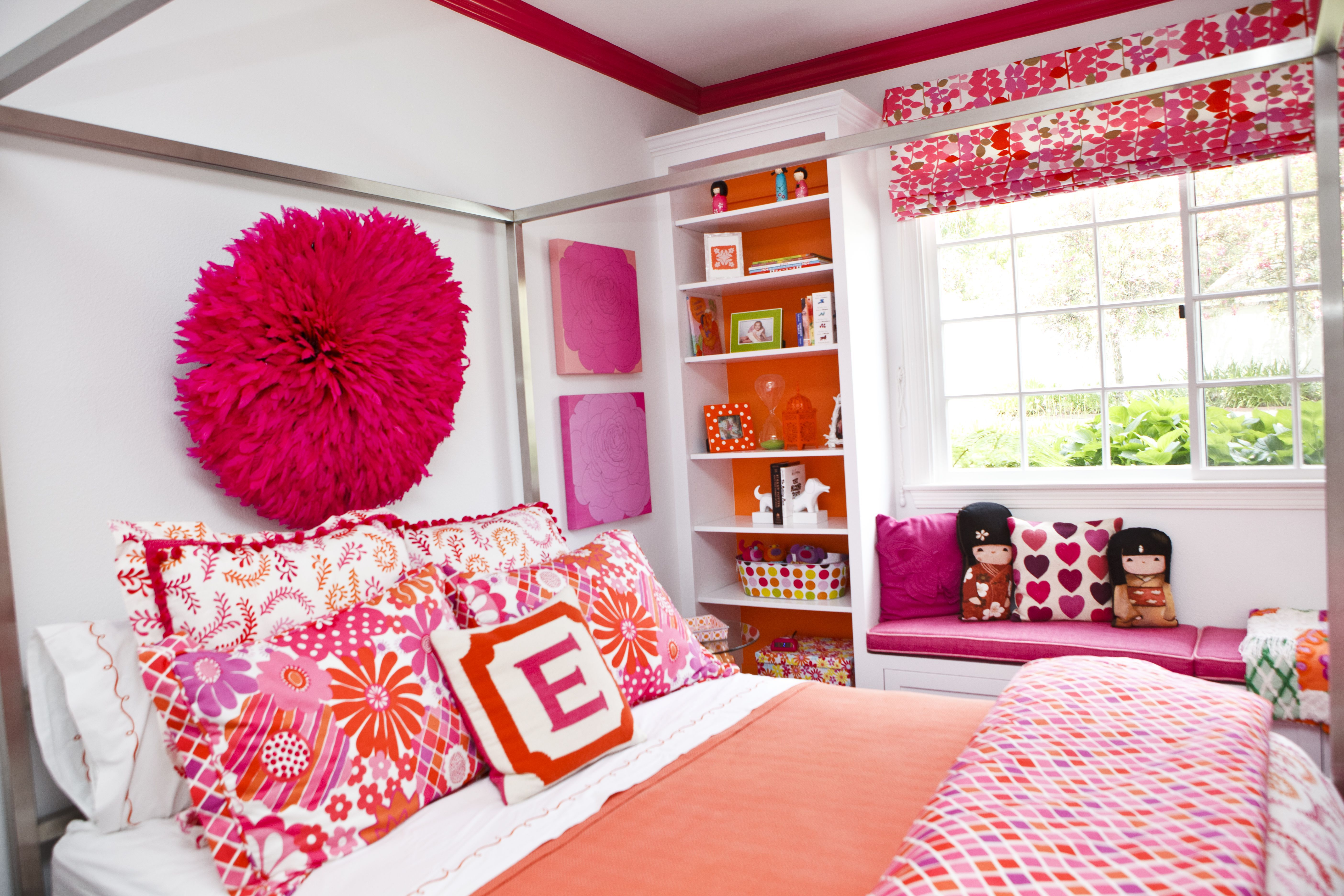 bright bedroom for teenager 091613