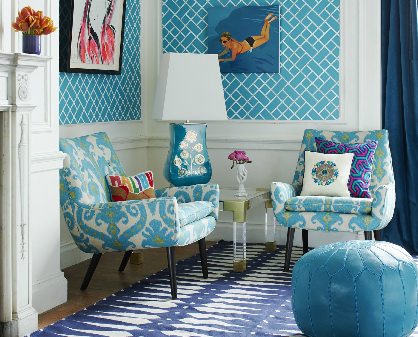 6 jonathan adler living room mrs godfrey chairs in marrakesh sea ikat linen bamboo reverse wallpaper in teal and white lifestyle portrait