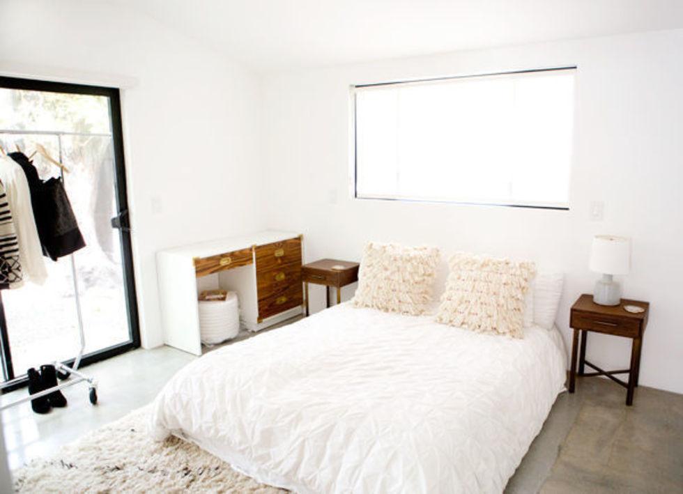 Картинки по запросу Нужна ли кровать, если у вас есть матрас