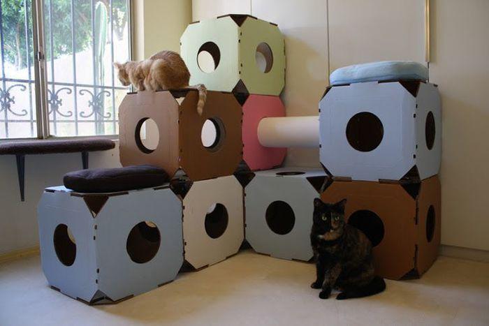 Домик для кошки своими руками из коробки фото