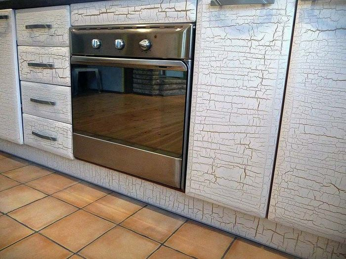 Как обновить деревянный фасад кухни своими руками