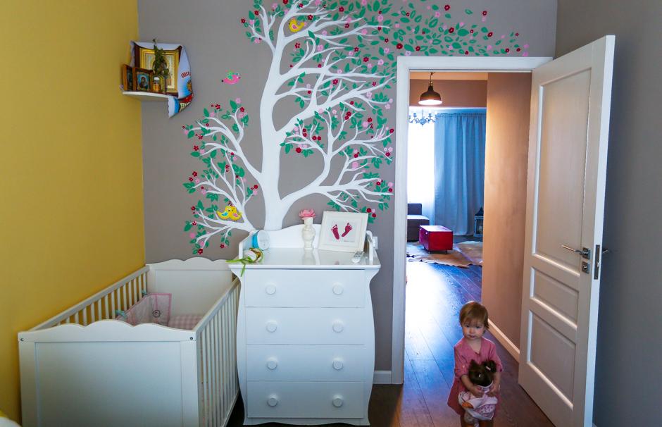 Детские рисунки на стенах в квартире фото