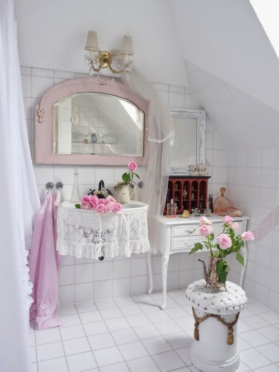 Chic bathroom accessories