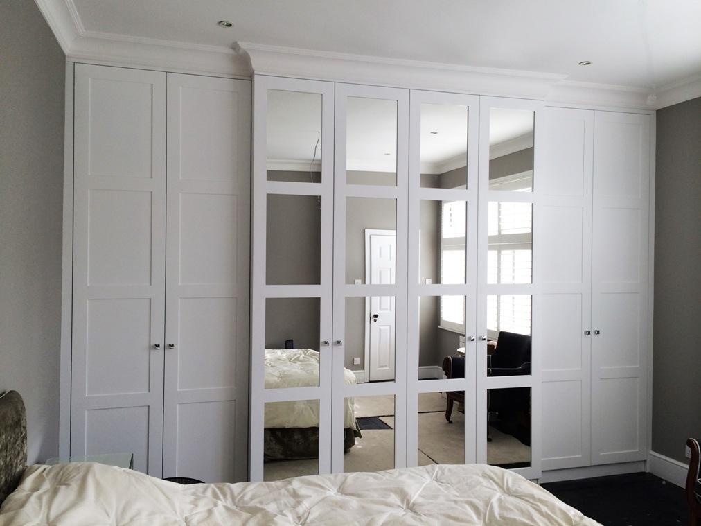 Встроенный распашной шкаф: фото, цена. купи на заказ москве .