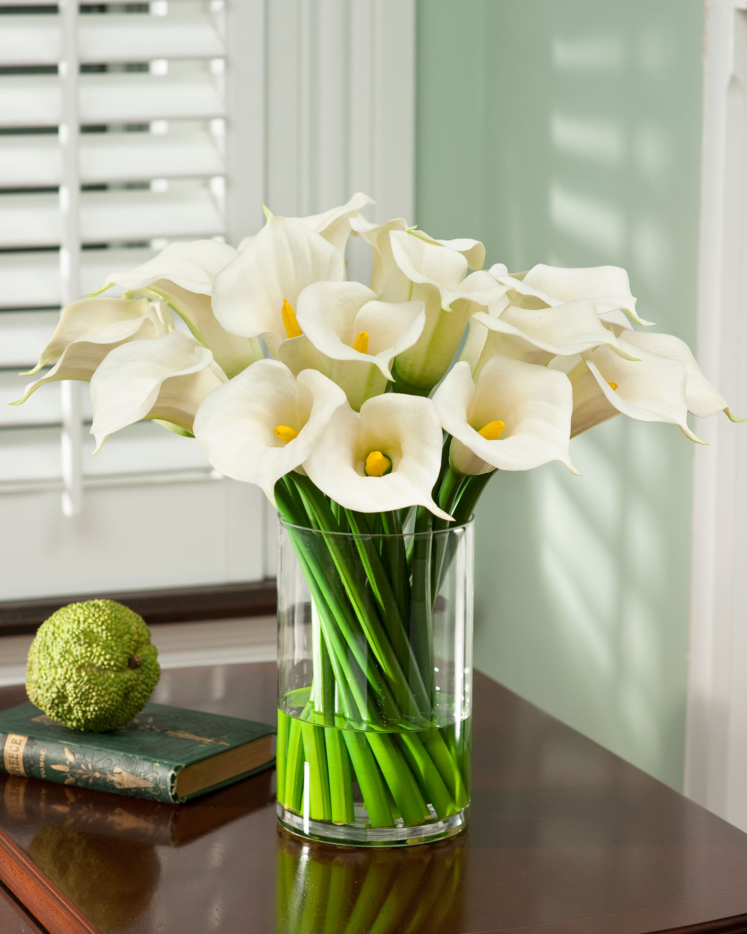 Цветы искусственные для интерьера в кашпо