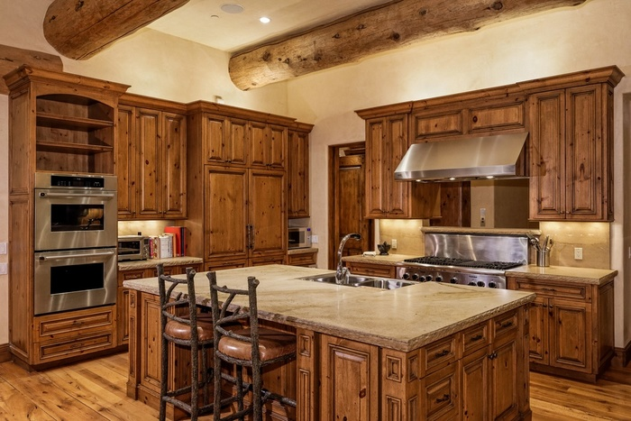 Картинки кухни деревянные