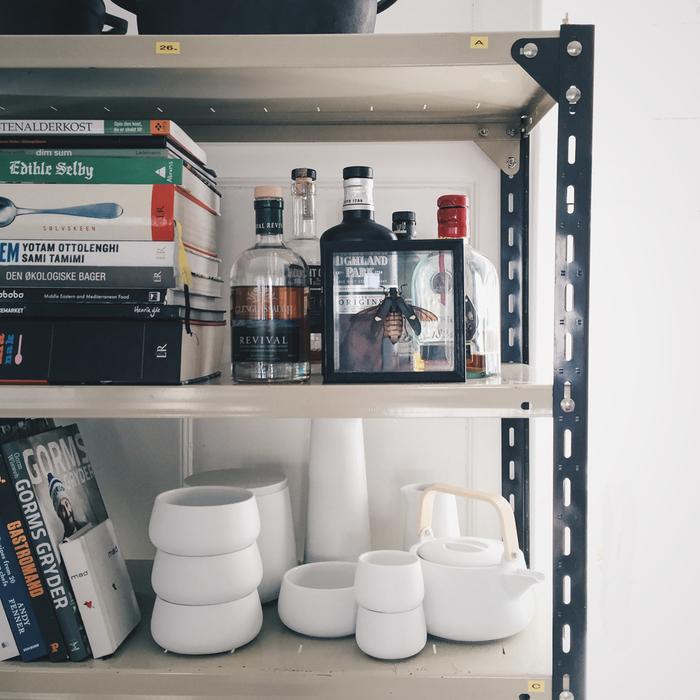как оформить полки на кухне